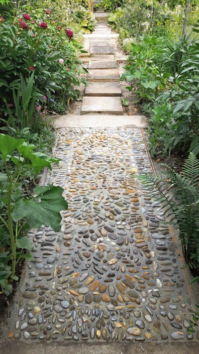 Der Gatenweg Mosaik Teppich nach dem Verfugen